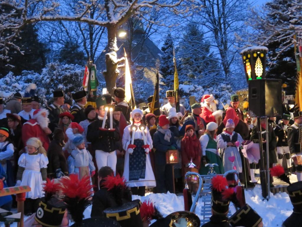 Frohe und gesegnete Weihnacht und einen guten Rutsch ins Neue Jahre ...